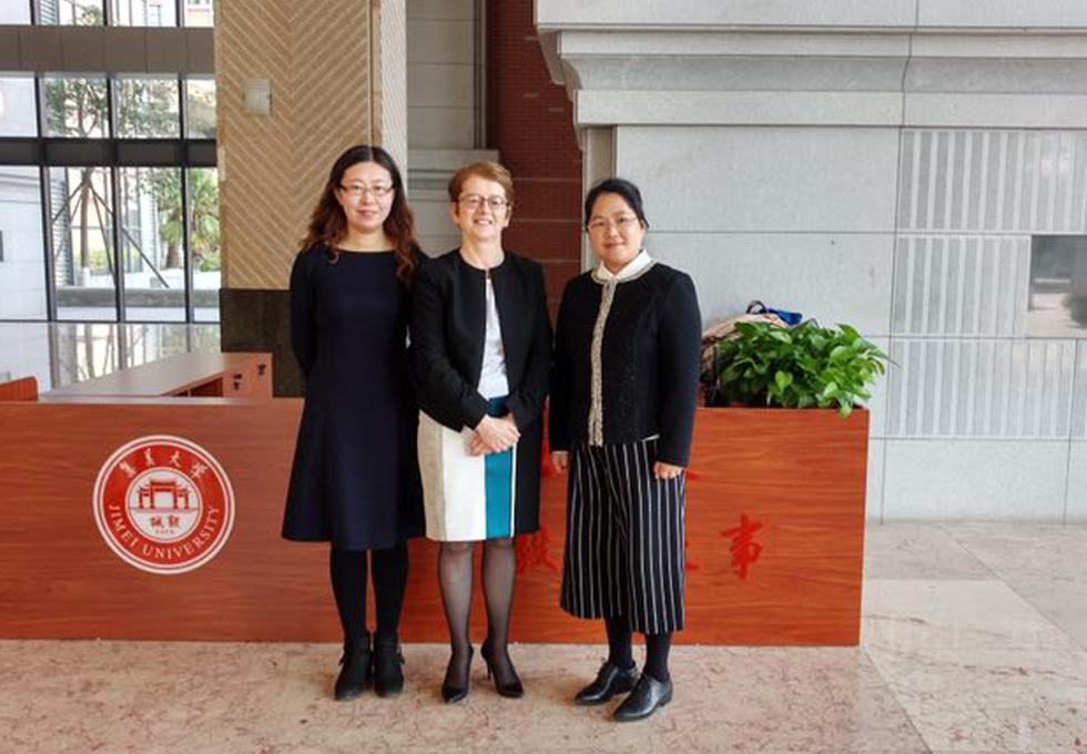 Professor Hannigan and Dr Zhang with Jimei Head of Law School