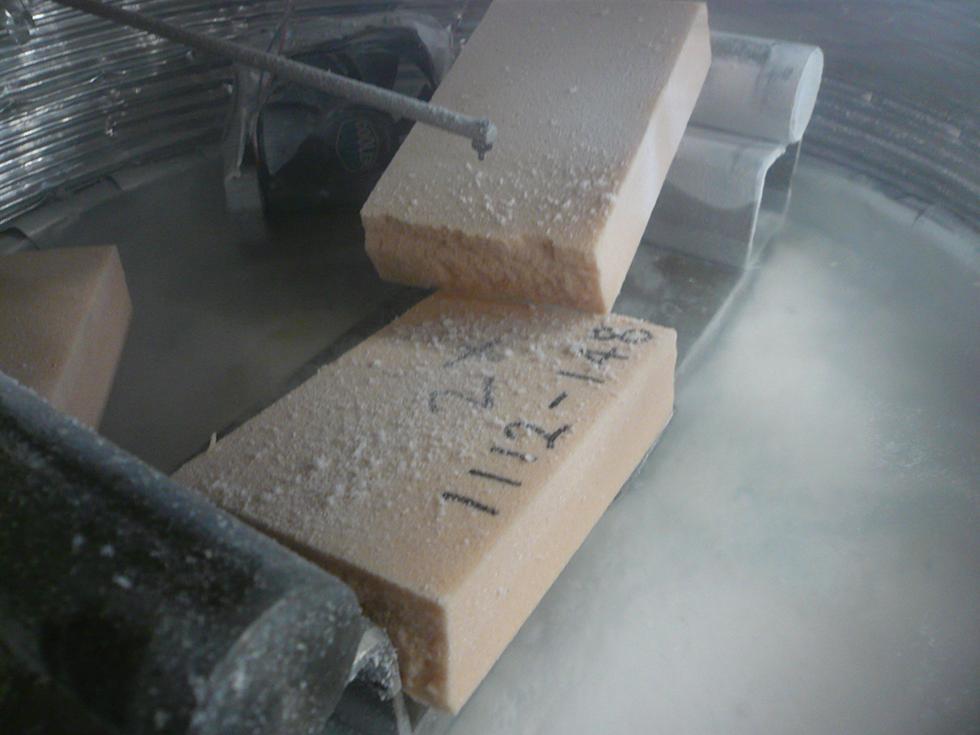 Low temperature flexural testing of foam materials