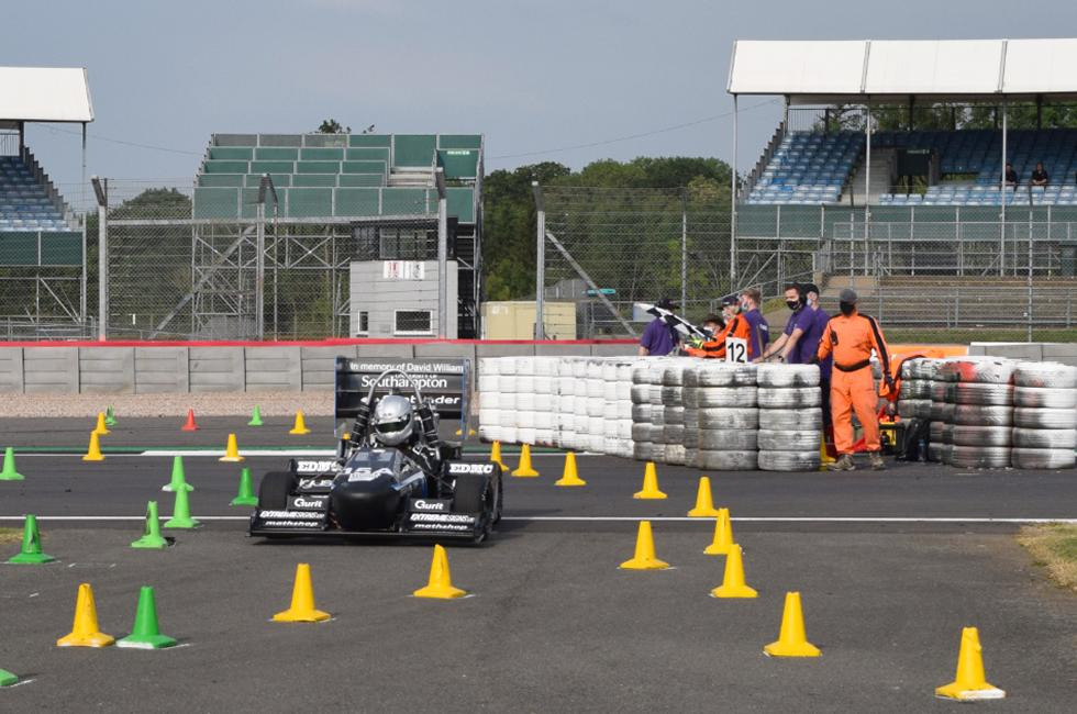 Stag 6B competing at Silverstone