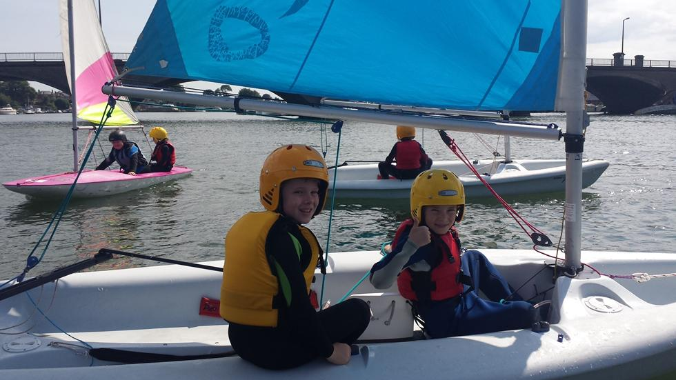 Sailing on the River Itchen