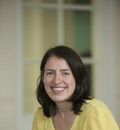 Dr Beth Carroll