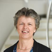 Thumbnail photo of Professor Gill Reid
