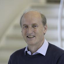 Thumbnail photo of Dr Martin C Grossel