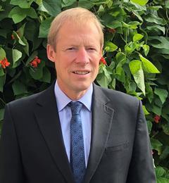 Dr Graham Petley