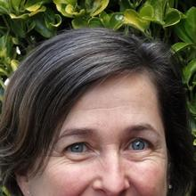 Thumbnail photo of Dr Sarah Neal
