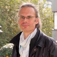 Thumbnail photo of Dr Christian Schluter