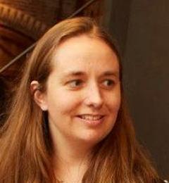 Dr Annelies Cazemier