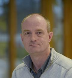 Dr Alan Marchant