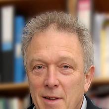 Thumbnail photo of Professor Tom Markvart