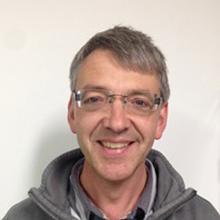 Thumbnail photo of Dr Richard Pearce