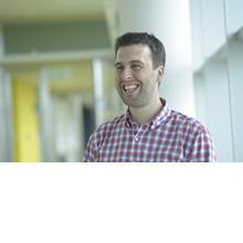 Thumbnail photo of Professor Ben MacArthur