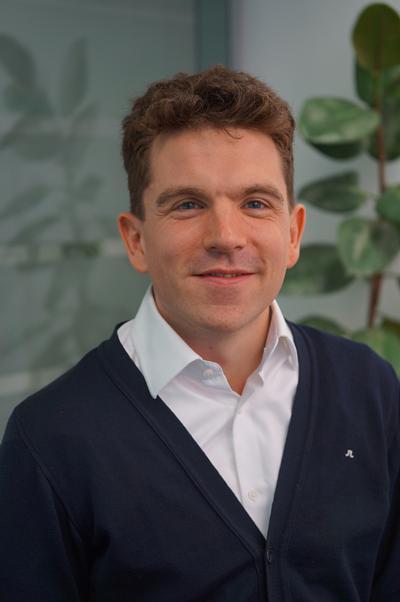 Dr Stuart Morton 's photo