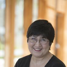 Thumbnail photo of Dr Sarah Louise Warnes
