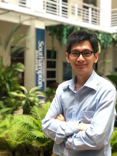 Dr.  Wong Kok Hoe's photo