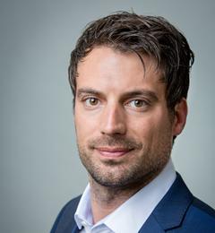 Dr Tim Hellmann