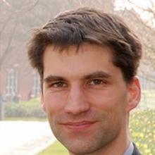 Thumbnail photo of Professor Hans Fangohr