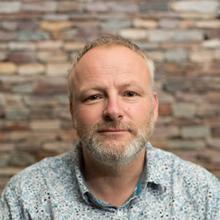 Thumbnail photo of Prof Craig Hutton