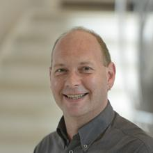 Thumbnail photo of Dr Eugen Stulz
