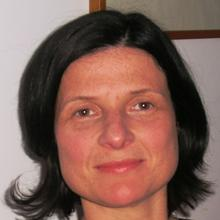 Thumbnail photo of Dr Miriam Santer