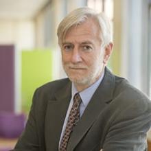 Thumbnail photo of Professor Robert Peveler