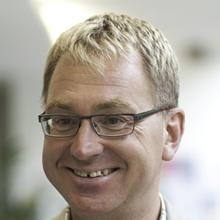 Thumbnail photo of Professor Tim Bergfelder