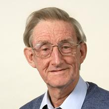 Thumbnail photo of Professor Ian Robinson